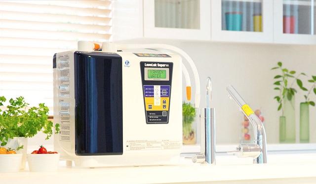 Máy điện giải Kangen tự hào là dòng máy lọc ứng dụng công nghệ hiện đại, mạnh mẽ nhất trên thị trường