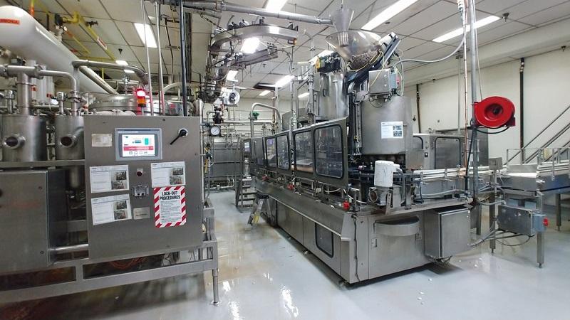 Bên trong nhà máy của công ty GEYSER