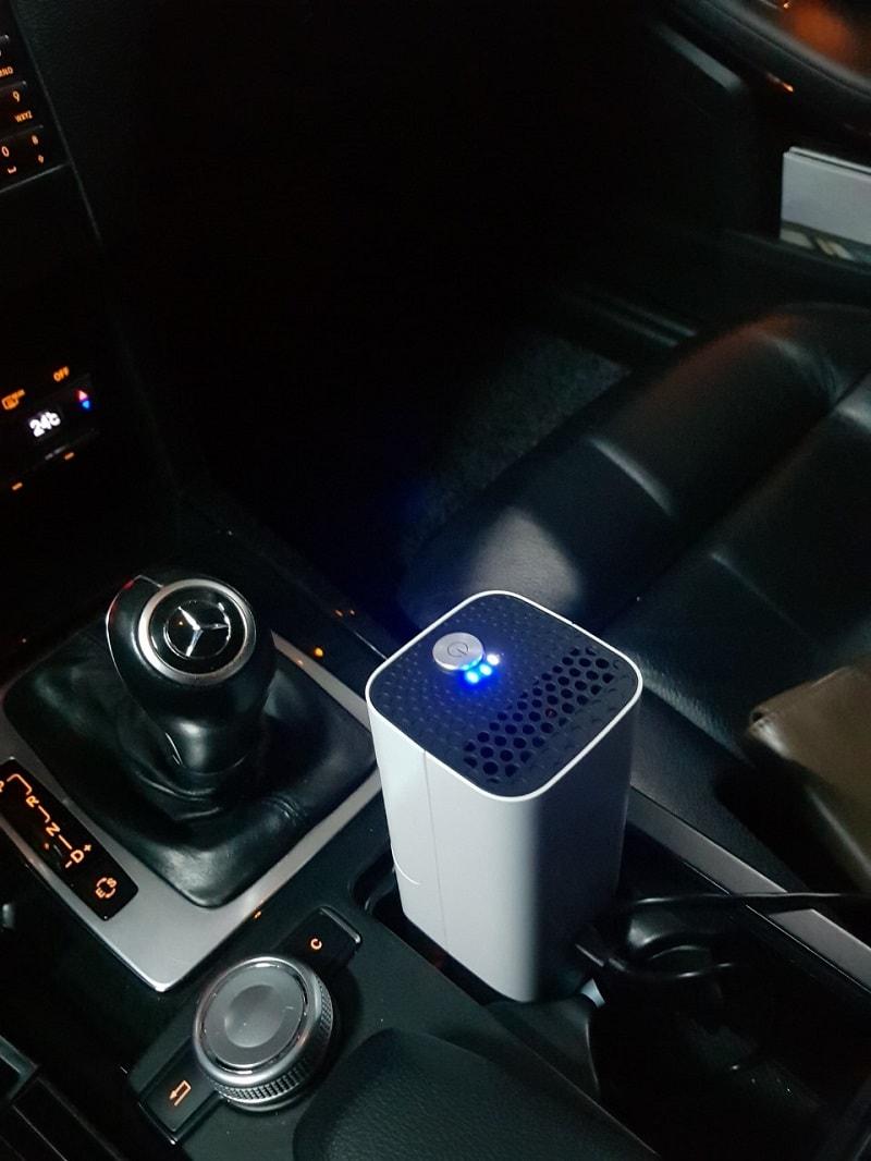Tích hợp cổng USB thích hợp khi di chuyển trên ô tô