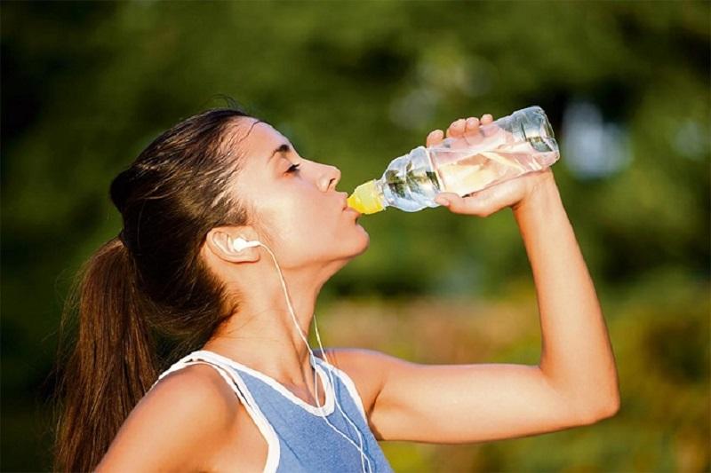 [Giải đáp] Uống bao nhiêu nước khi tập thể dục thể thao?