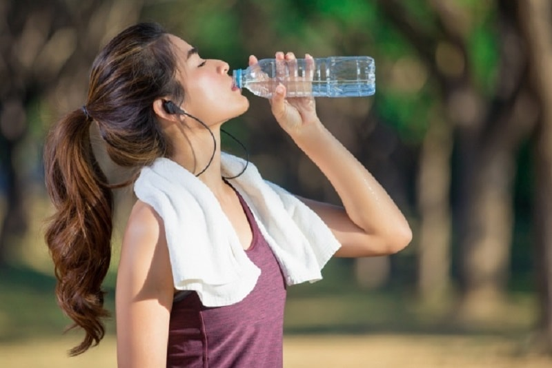 Đâu là loại nước đóng bình được người tiêu dùng và các chuyên gia đánh giá cao?